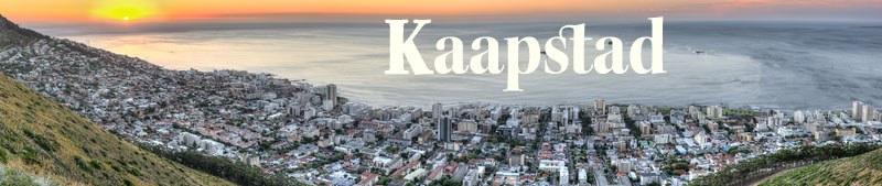 Uitzicht op Kaapstad met opkomende zon.